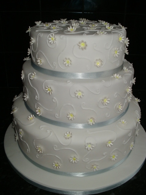wedding cakes sunderland wedding cakes cakes amp cake decorating equipment 25560